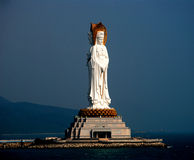 Drie zagen standbeeld van Kwan -kwan-yin onder ogen Stock Afbeelding