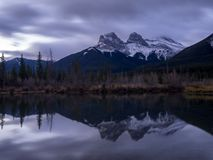 Drie Zusters, Canmore Alberta Stock Foto's