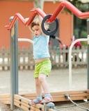 Driejarig meisje bij speelplaats Royalty-vrije Stock Foto's