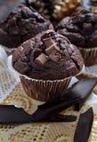Drievoudige Chocolademuffins royalty-vrije stock afbeeldingen