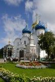Drievuldigheid Lavra van St. Sergius. De Kathedraal van de veronderstelling Stock Foto