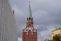 Drievuldigheidstoren van Moskou het Kremlin Royalty-vrije Stock Foto's