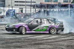Driffting παγκόσμιος ανταγωνισμός αυτοκινήτων στιγμής Στοκ φωτογραφία με δικαίωμα ελεύθερης χρήσης