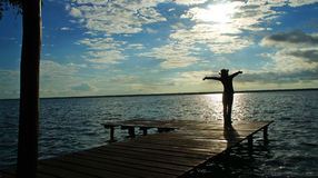 Driftig dag i morgonen på lagun Bacalar Fotografering för Bildbyråer