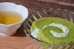 Driftstopprulle och te för grönt te Royaltyfri Foto