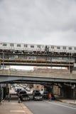 Driggs Allee und Williamsburg-Brücke in NYC Lizenzfreie Stockbilder