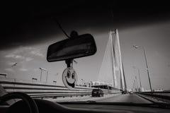 Drijf van de de rivierstad van de autobrug de glimlachspiegel stock fotografie