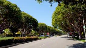 Drijvend door Beverly Hills California - LOS ANGELES, de V.S. - 1 APRIL, 2019 stock videobeelden