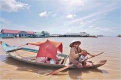 Drijvend dorp, Kambodja Stock Foto's