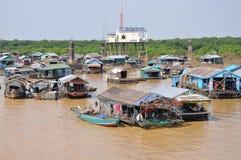 Drijvend dorp Kambodja stock fotografie