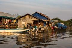 Drijvend dorp, Kambodja, Tonle-Sap, Koh Rong-eiland stock foto's