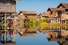 Drijvend dorp in meer Inle royalty-vrije stock afbeeldingen