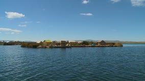 Drijvend Dorp op Meer Titicaca, Peru stock video