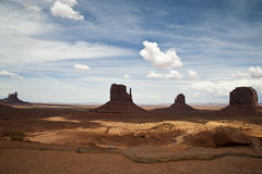 Drijvend op de weg van de Vallei van het Monument, Arizona, de V.S. stock foto