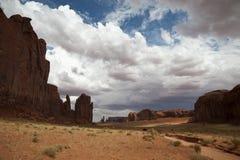 Drijvend op de weg van de Vallei van het Monument, de V.S. royalty-vrije stock fotografie