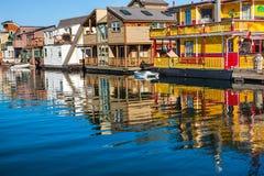 Drijvende de Woonboten Binnenhaven Victoria Canada van het Huisdorp stock afbeelding