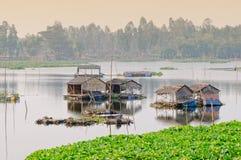 Drijvende huizen bij Mekong Delta in Angiang, Vietnam Royalty-vrije Stock Afbeeldingen