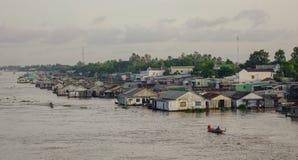 Drijvende huizen in Chau-Doc., Vietnam royalty-vrije stock afbeelding