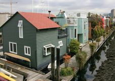 Drijvende Huizen in Overzees Dorp Royalty-vrije Stock Foto