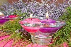 Drijvende kaarsen Stock Afbeeldingen