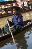 Drijvende Marktvrouw stock afbeeldingen