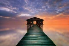 Drijvende pier Stock Foto's