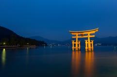 Drijvende Poort in Hiroshima, Japan Stock Afbeeldingen