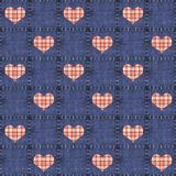 Dril de algodón inconsútil y corazones rojos de la tela escocesa Imagen de archivo libre de regalías