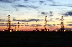 Free Drilling Rig With Morning Sky Royalty Free Stock Photo - 41153085