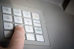 Dringende de bankcode van de vinger   Stock Foto's