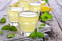 Drink av citronen Royaltyfri Foto