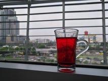 Drink för rött vatten royaltyfria foton
