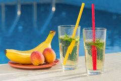 Drink by the pool Royalty Free Stock Photography