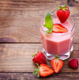 Drink smoothies summer strawberry, blackberry Royalty Free Stock Photography