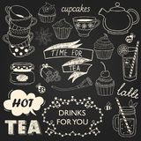 Drinkar mönstrar på svart bakgrund stock illustrationer