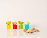 Drinken de reeks geschotene dranken, de gele, rode, groene en blauwe kamikaze Dec Royalty-vrije Stock Fotografie