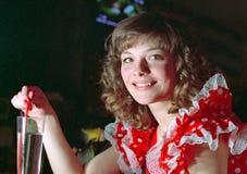 Drinkend meisje bij retro partij royalty-vrije stock foto's