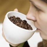 Drinkende echte koffie royalty-vrije stock foto's
