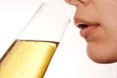 Drinkende vrouw 4 Royalty-vrije Stock Afbeeldingen