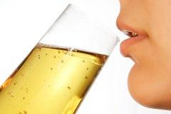 Drinkende vrouw 5 Stock Foto's