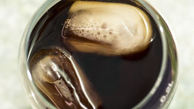 Drinkförkylningfruktsaft Arkivbilder