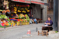 Drinking Apple Tea in Istanbul Royalty Free Stock Images