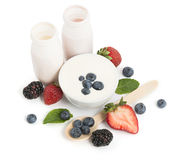 Drinking yogurts and fresh berries Royalty Free Stock Photography