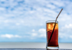 Drinkwater om verfrist te voelen stock foto