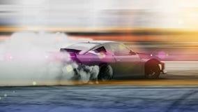 Driva för bil som är suddigt av bilen för driva för bilddiffusionslopp med lotten royaltyfria bilder