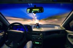Drive εσωτερικό αυτοκινήτων νύχτας Στοκ εικόνα με δικαίωμα ελεύθερης χρήσης