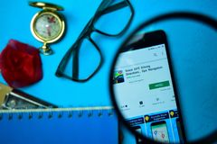 Drive κατευθύνσεις ΠΣΤ φωνής, ναυσιπλοΐα dev app ΠΣΤ με την ενίσχυση στην οθόνη Smartphone στοκ εικόνες με δικαίωμα ελεύθερης χρήσης
