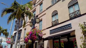 Drive ροντέο στο Μπέβερλι Χιλς - αποκλειστικά καταστήματα - ΛΟΣ ΑΝΤΖΕΛΕΣ,  απόθεμα βίντεο