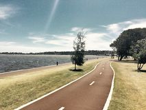 Drive όχθεων ποταμού Στοκ φωτογραφίες με δικαίωμα ελεύθερης χρήσης