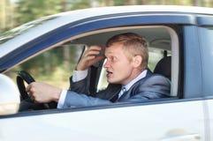 Driver aggressivo dietro la ruota fotografie stock libere da diritti